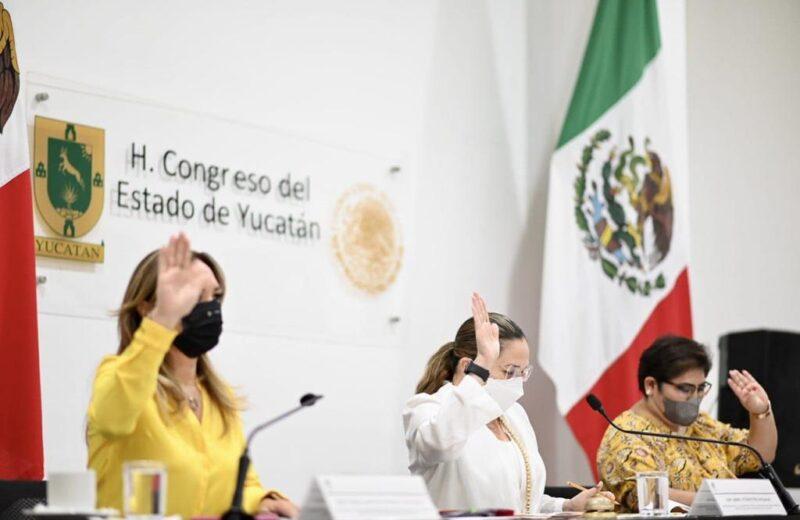 """Cuatro hombres y una mujer, candidatos al del """"Médico del Año del Estado de Yucatán"""""""